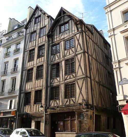 Fachadas medievales en Paris