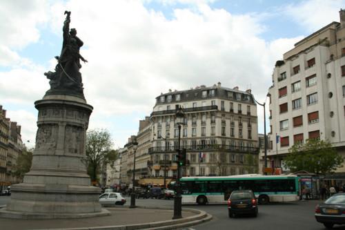 Plaza de Clichy