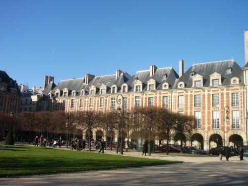 La Place des Vosges, la más antigua de París