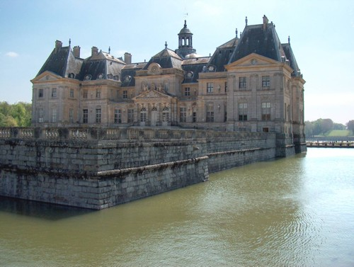 Dos castillos en las afueras de París