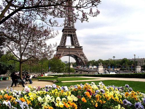 Clima y hora en París en cada época del año